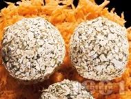 Рецепта Спаначени топчета с варени картофи и овесени ядки